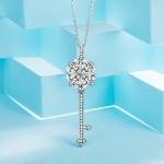 Lady colour Quadrifoglio Chiave Collana donna con cristalli da Swarovski Gioielli regalo donna compleanno festa della mamma regalo san valentino re...